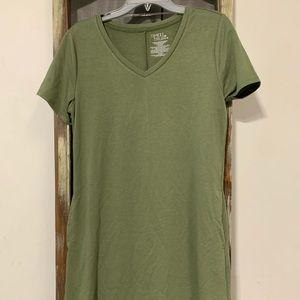 Green th shirt dress with pockets